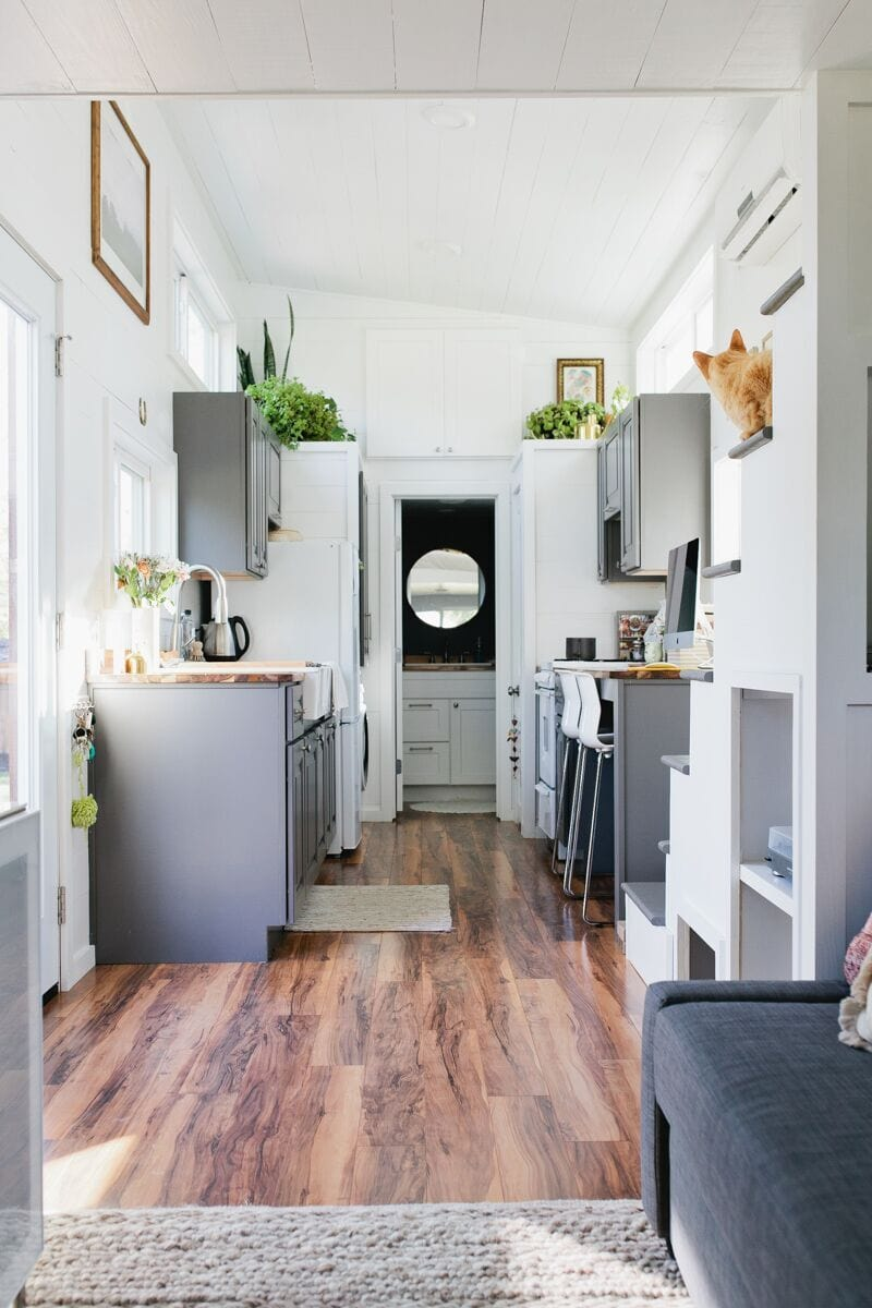 Small House Interior Design: Golden American Tiny House
